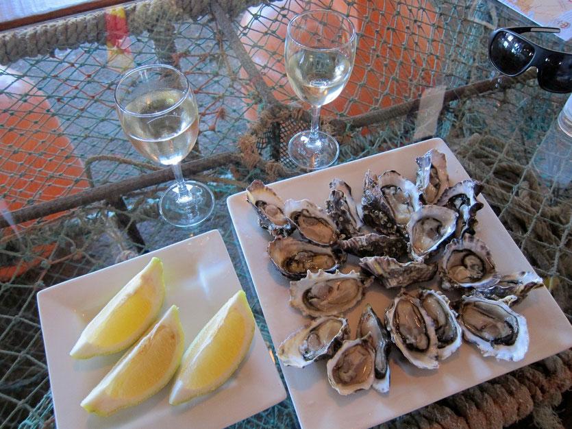 Oyster frische Austern bar Luderitz Namibia