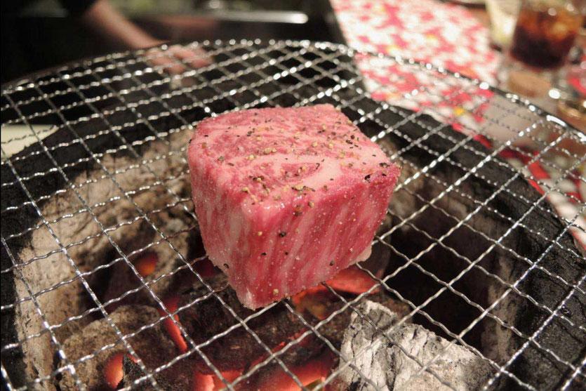 Yakiniku Kobe beef grill restaurant Osaka