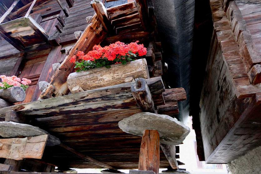 Historische Blockhäuser in Zermatt