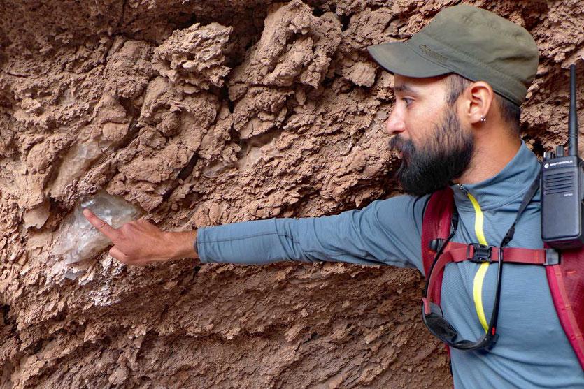 Felsen aus Salzkristallen Valle de la Luna San Pedro de Atacama