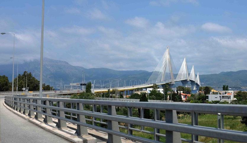 Rion-Antirio Brücke nach Delphi