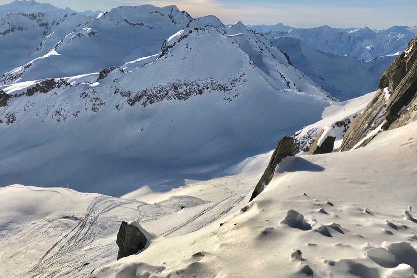 Blick vom Gemsstock-Gipfel nach Südwest