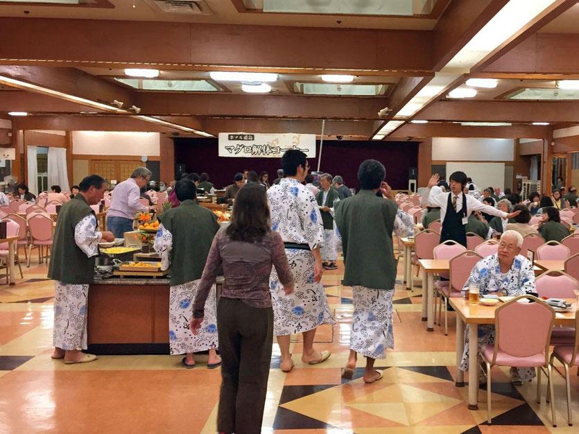 Typisches Onsen Großhotel in der japanischen Provinz Wakayama