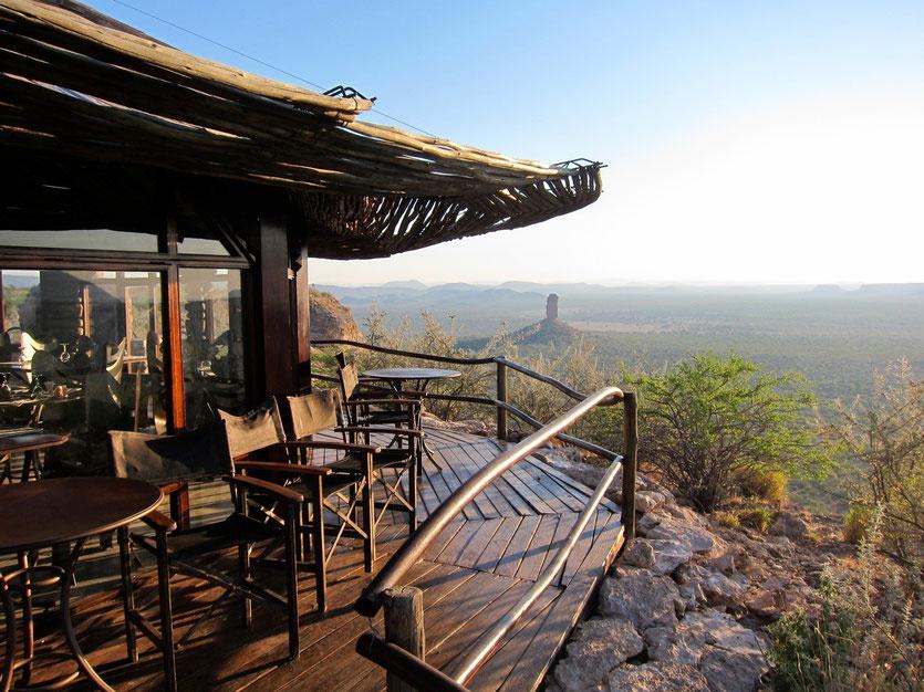 Eagle's Nest Restaurant mit Vingerklip, Namibia