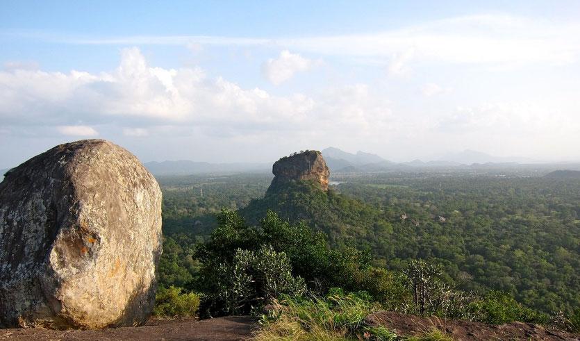 Temple Rock Pidurangala bei Sigiriya, Sri Lanka
