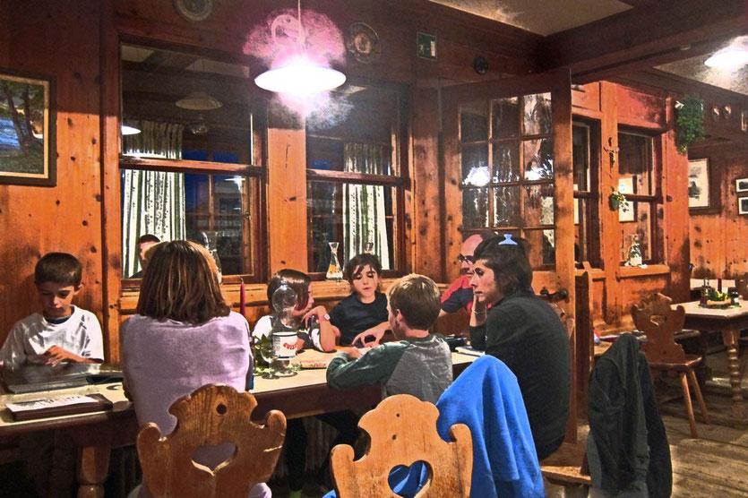 Der Abend in der Schlüterhütte in Südtirol