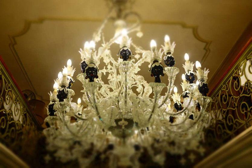 Venezianische Leuchter in den Hotels Venedig