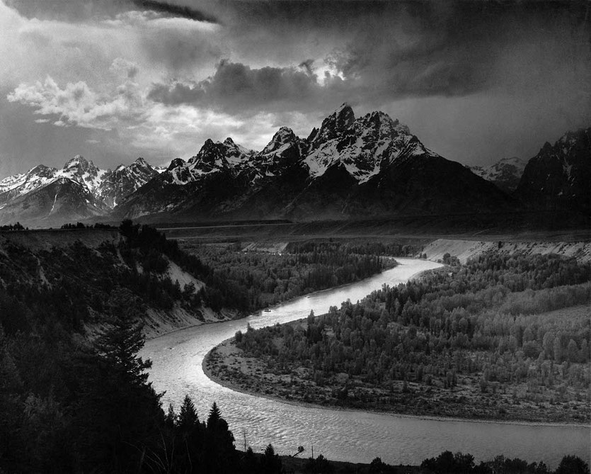 Ansel Adams' Fotografie The Tetons and the Snake River von 1942 über Wikipedia