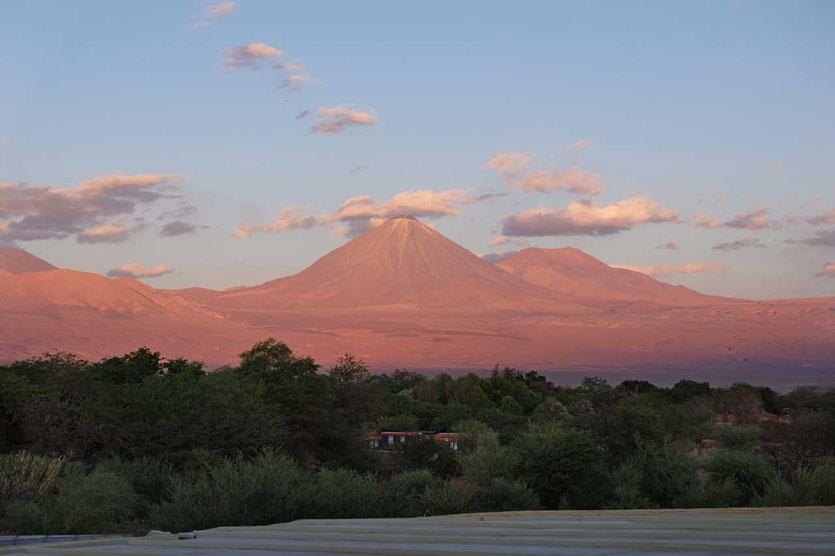 Vulkanblick von Dachterrasse des explora