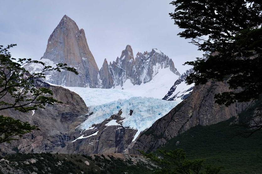 Fitz Roy mit Gletscher Mirador Glaciar Piedras Las Blancas