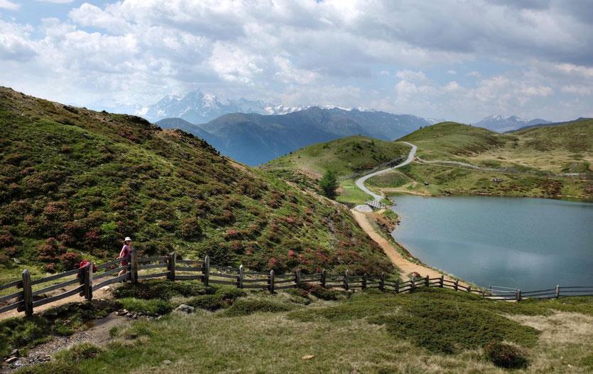 Bergsee Wandern im Vinschgau Aussichtsberg mit Bergbahn