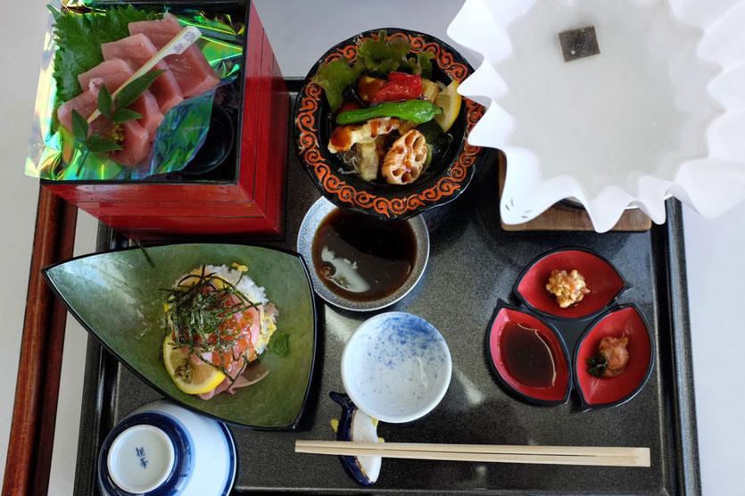 Cape Shionomisaki restaurant tipp Kushimoto Sahsimi Menü, Japan Reisebericht