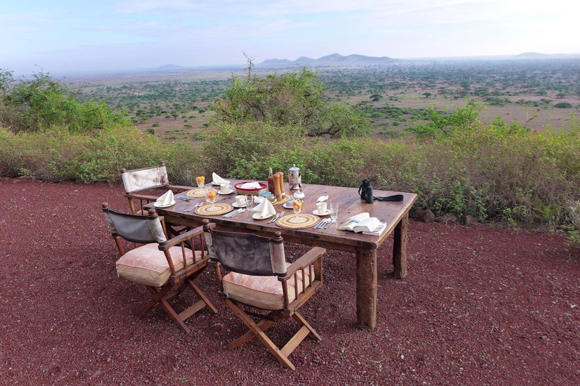 Shu'mata Safari Camp breakfast Tanzania Kilimandscharo Shumata camp