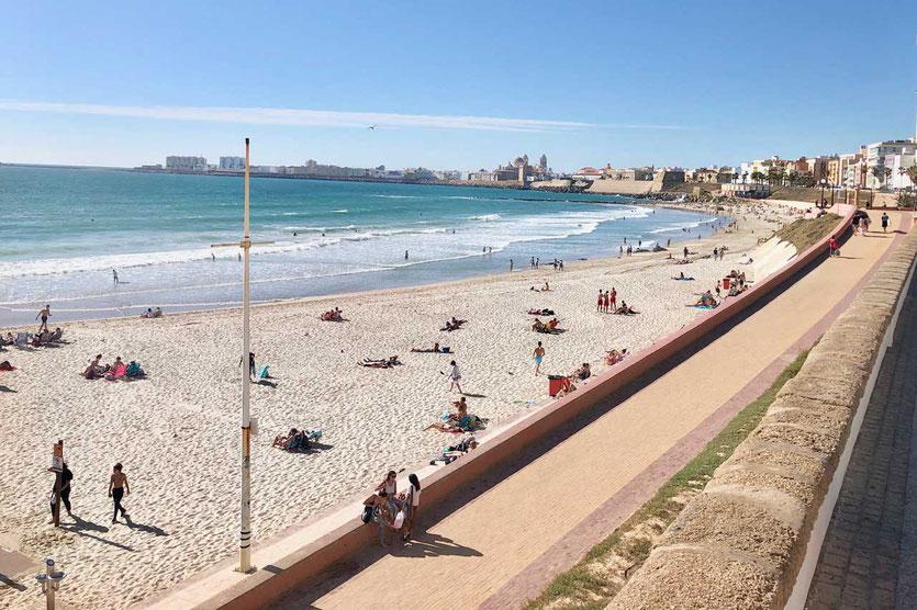 Cadiz lange Strände Playa Victoria und Playa Cortadura