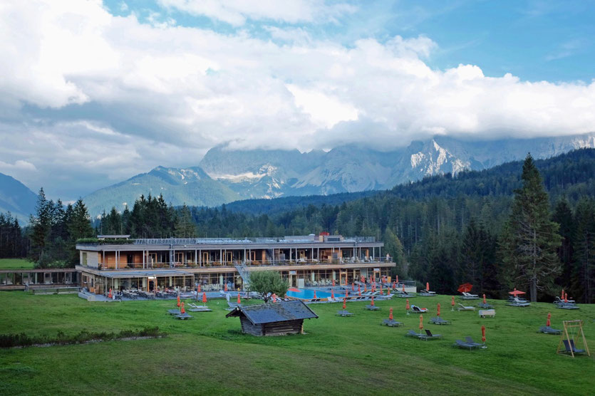Kranzbach wellnesshotel design mit alpenpanorama reiseblog for Design hotels alpen