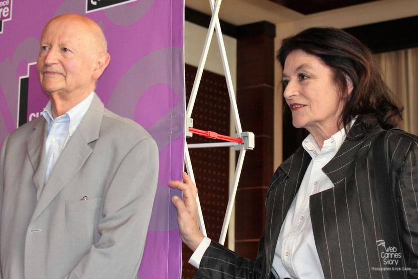 Anouk Aimé et Gilles Jacob, lors de la remise des Prix France Culture Cinéma à Alexandre Astruc et Céline Sciamma - Festival de Cannes 2011 - Photo © Anik Couble