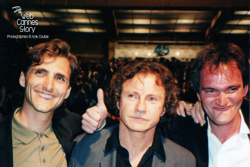 "Lawrence Bender, Harvey Kheitel, Quentin Tarantino, à la sortie de la projection du film ""Reservoirs Dogs""- Festival de Cannes - 1992 - Photo © Anik COUBLE"
