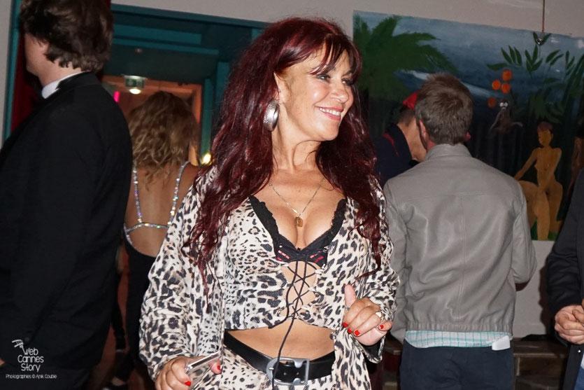 Esméralda Petit Benito, la célèbre femme panthère, radieuse,  lors de la  soirée de clôture à l'Hôtel 3.14 - Festival de Cannes 2016 - Photo © Anik Couble
