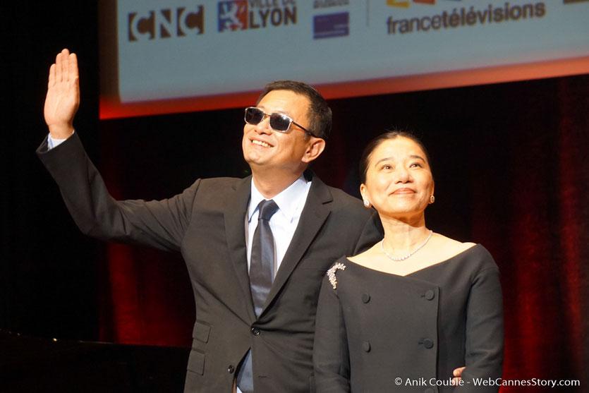 Wong Kar-wai et sa femme Esther, à laquelle il a dédié son Prix Lumière - Cérémonie de Remise du Prix Lumière à Wong Kar-wai - Festival Lumière 2017 - Lyon - Photo © Anik Couble
