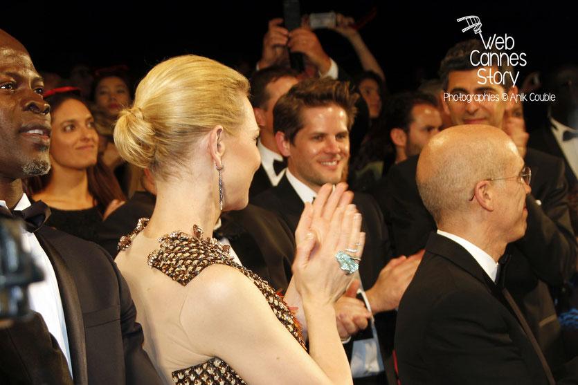 Cate Blanchett et Jeffrey Katzenberg  PDG de DreamWorks, lors  de la projection  de «Dragon 2»,  réalisé par Dean DeBlois - Festival de Cannes 2014 - Photo © Anik COUBLE