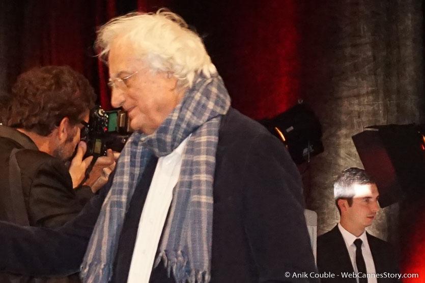 Arrivée de Bertrand Tavernier à la cérémonie de remise du Prix Lumière - Amphitheâtre 3000 - Lyon - Oct 2016  - Photo © Anik Couble