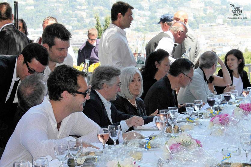Robert De Niro,  entouré de son jury,  au traditionnel déjeuner de presse offert par le maire de Cannes - Festival de Cannes 2011 -  Photo © Anik Couble
