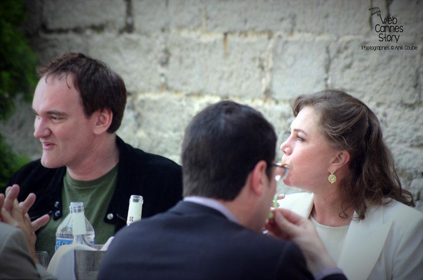 Quentin Tarantino,  Président du Jury et Kathleen Turner, lors du déjeuner de presse organisé par le  maire de Cannes - Festival de Cannes - 2004 - Photo © Anik Couble