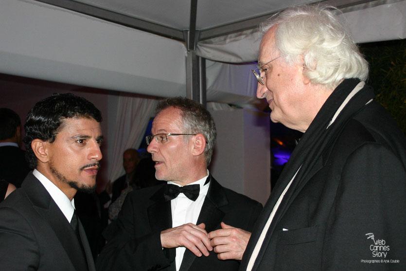 """Bertrand Tavernier, en compagnie de Thierry Fremaux et Saïd Taghmaoui, lors de la soirée de son  film """" La Princesse de Montpensier """" - Plage de l'Hôtel Majestic - Festival de Cannes 2010 - Photo © Anik Couble"""