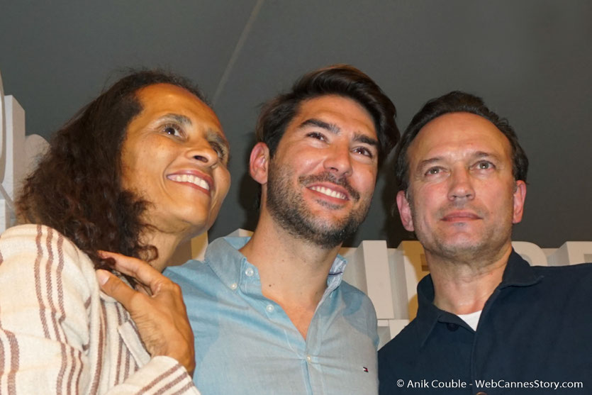 """Louis Hamelin, en compagnie de Vincent Perez et Karine Silla, invités  de """"La Grande Emission"""" de Radio Lumière - Festival Lumière 2017 - Lyon - Photo © Anik Couble"""