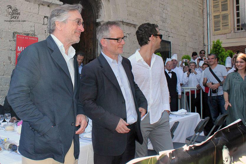 Robert De Niro, Président du Jury, Thierry Fremaux et Jude Law, au traditionnel déjeuner de presse, offert par le Maire de Cannes - Festival de Cannes 2011 - Photo © Anik Couble