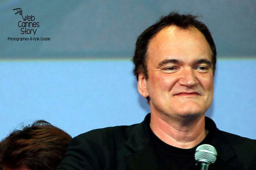 Quentin Tarantino sur la scène de la Halle Tony Garnier - Clôture du Festival Lumière - Lyon - 2013 - Photo © Anik COUBLE