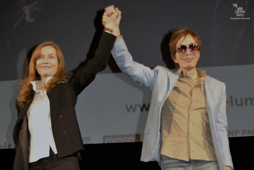 Belle complicité entre Isabelle Huppert et Michael Cimino - Festival Lumière 2012 - Lyon © Anik Couble