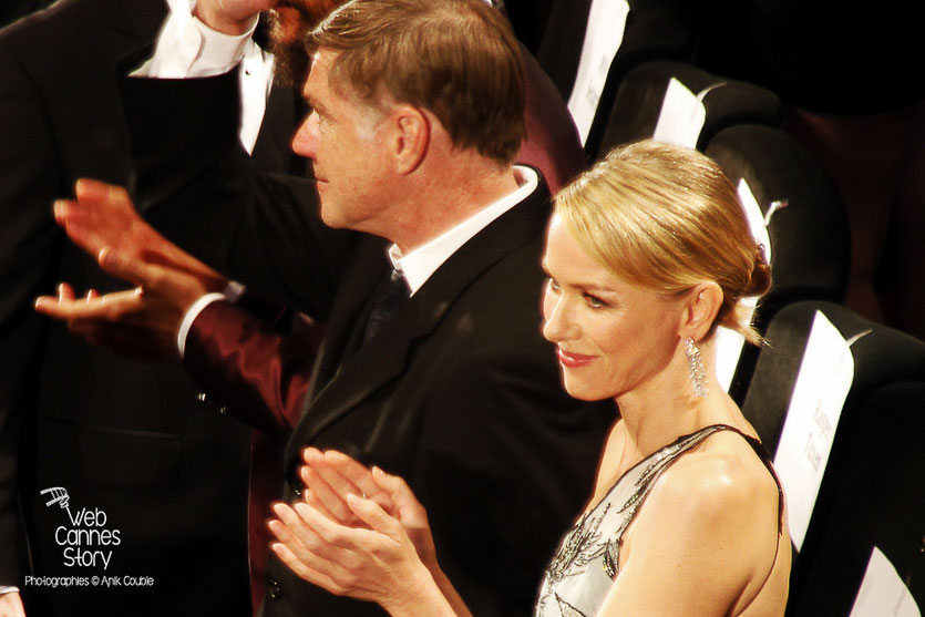 "Naomi Watts et Gus Van Sant, lors la projection du film ""Sea of trees"" de Gus Van Sant - Festival de Cannes 2015 - Photo © Anik COUBLE"
