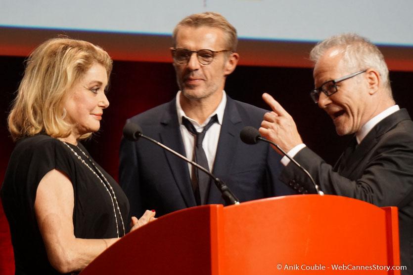 Catherine Deneuve, Lambert Wilson et Thierry Frémaux - Cérémonie de remise du Prix Lumière - Amphitheâtre 3000 - Lyon - Oct 2016  - Photo © Anik Couble