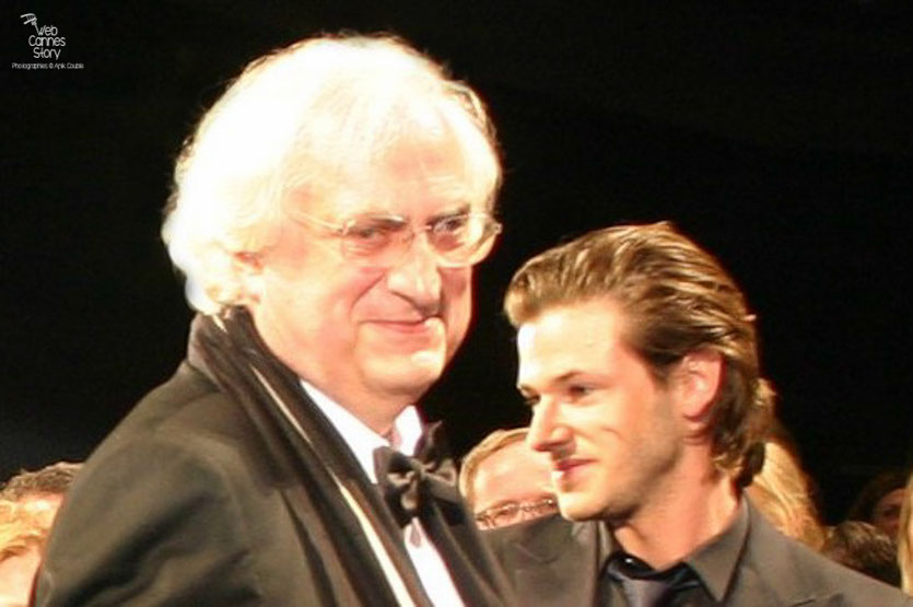 "Bertrand Tavernier et Gaspard Ulliel, lors de la projection de son film "" La Princesse de Montpensier "" - Festival de Cannes 2010 - Photo © Anik Couble"