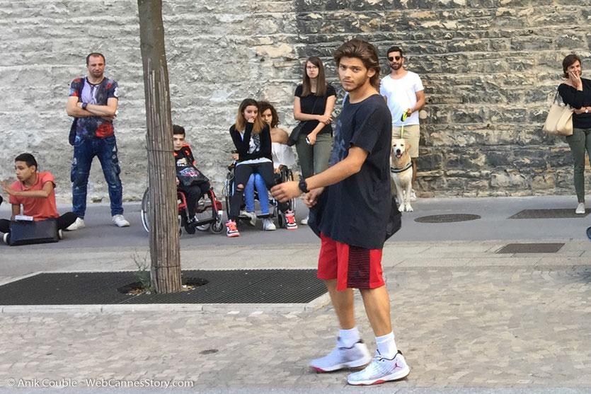 """Rayane Bensetti, sur le tournage du film """"La Finale"""", réalisé par Robin Sykes - Lyon - Juillet 2017 - Photo © Anik Couble"""