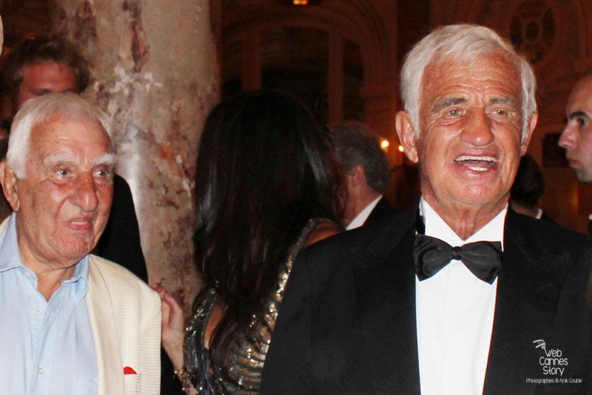 Jean-Paul Belmondo, en compagnie de Charles Gerard, lors du dîner donné en son honneur, au Carlton - Festival de Cannes 2011 - Photo © Anik Couble