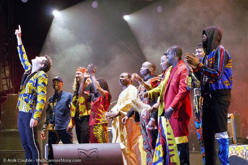 """Concert de Matthieu Chedid - M """"ÎL est une âme, le baptême de Lamomali - Festival de Cannes 2017 - Photo © Anik Couble"""