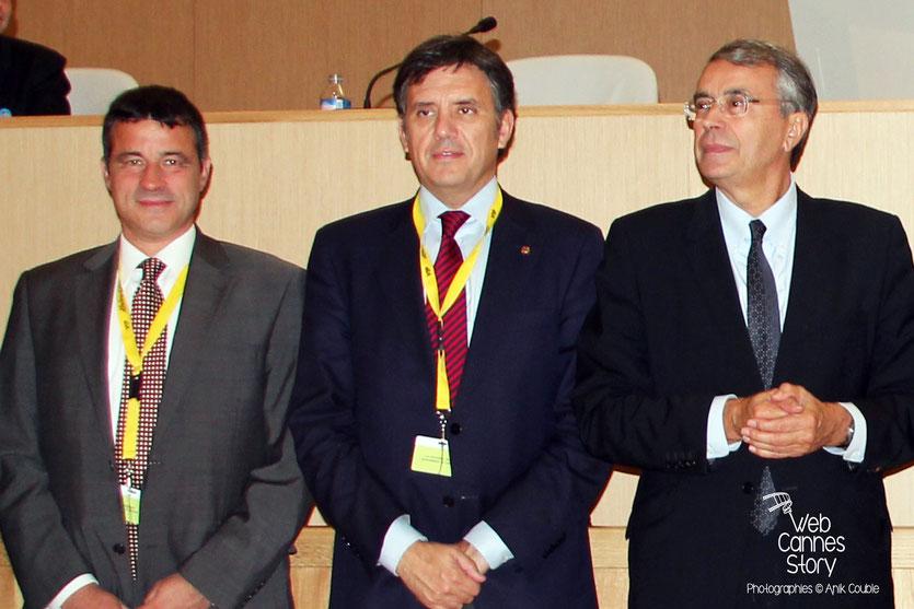 Jean-Jack Queyranne, Président de la région Rhône-Alpes, Lluis Recorder I Miralles, Ministre du Territoire et de la Durabilité de la Catalogne, Co-Président de nrg4SD et Mark Kenber, PDG de The Climate Group - Lyon 2011 © Anik COUBLE