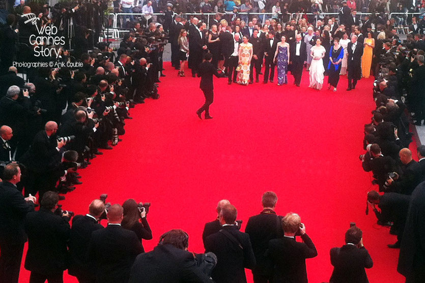 L'équipe du film «Jimmy's Hall» de ken Loach, sur le tapis rouge- Festival de Cannes 2014 - Photo © Anik COUBLE