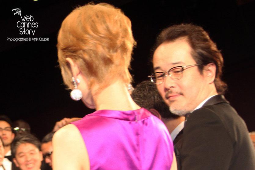 """Shogen Hwang (de dos) et Lily Franky, acteurs du film japonais """"Tel père, tel fils""""  de Kore-Eda Hirokazu - Festival de Cannes 2013 - Photo © Anik COUBLE"""