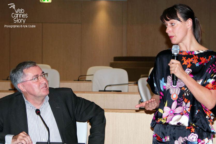 Alain Chabrolle, vice président à la santé et à l'environnement, à la Région Rhône-Alpes et Laure Noualhat, journaliste à Libération - Lyon - 0ctobre 2011  © Anik COUBLE