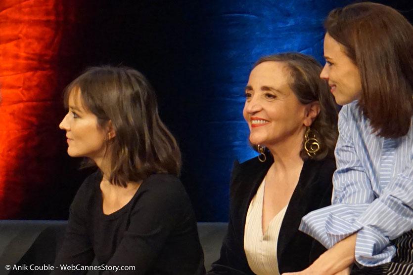 Anaïs Demoustier, Dominique Blanc et Anne Consigny, lors de la Cérémonie de Remise du Prix Lumière - Festival Lumière 2018 - Lyon - Photo © Anik Couble