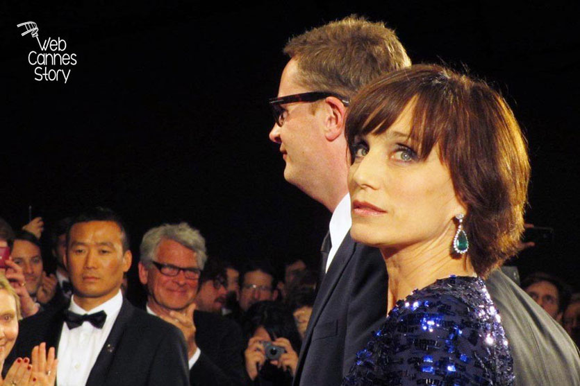 Kristin Scott Thomas et Nicolas Winding Refn,  lors de la projection de son film «Only god forgives» - Festival de Cannes 2013 - Photo © Raymond HAIK