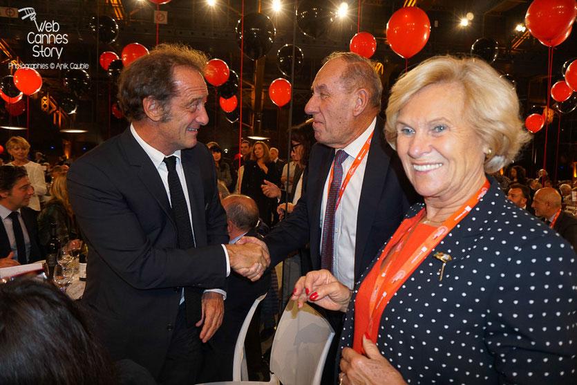 Belle rencontre entre Max Lefrancq-Lumière, son épouse Michèle et Vincent Lindon,  lors du diner d'ouverture du Festival Lumière 2015 - Lyon - Photo © Anik COUBLE
