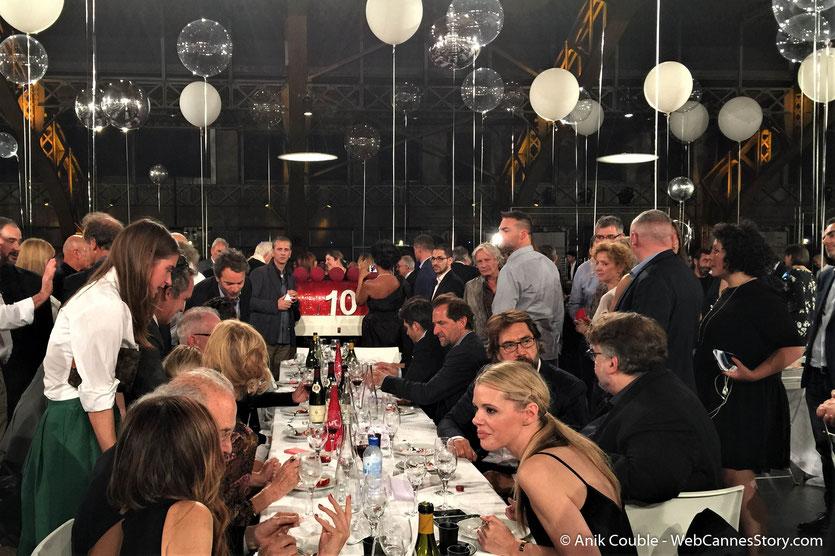 La table d'honneur, du très convivial dîner d'ouverture, du Festival Lumière 2018 - Lyon - Photo © Anik Couble