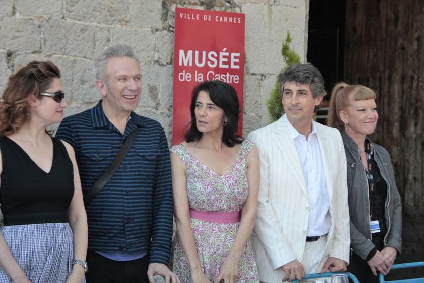 Emmanuelle Devos, Jean-Paul Gaultier, Hiam Habbas, Alexander Payne et Andrea Arnold, membre du Jury du Festival de Cannes 2012 - Photo © Anik COUBLE