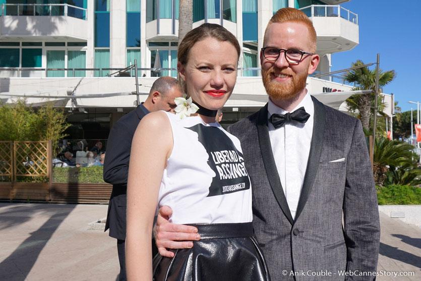 """L'équipe du film """"Risk"""" de Laura Poitras - Festival de Cannes 2016 - Photo © Anik Couble"""