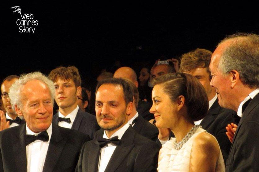 Marion Cotillard et Fabrizio Rongione, entourés de Jean-Pierre et Luc Dardenne, réalisateurs du film «Deux jours, une nuit» - Festival de Cannes 2014 - Photo © Raymond HAIK
