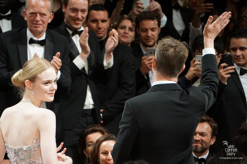 "Elle Fanning et Nicolas Winding Refn,  lors de la projection de son film "" The Neon Demon"" - Festival de Cannes 2016 - Photo © Anik Couble"
